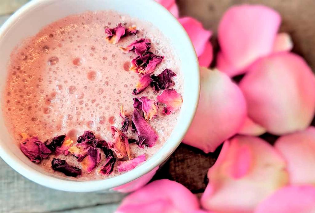¡Libérate del estrés! Tenemos la receta de la moon milk rosa - moon-mil-rose-3
