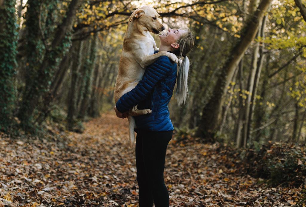 Esta playlist es perfecta para salir a pasear a tu perrito