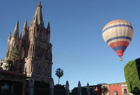 Lugares para volar en globo aerostático en México - vuelo-en-globo-san-miguel-de-allende-300x203