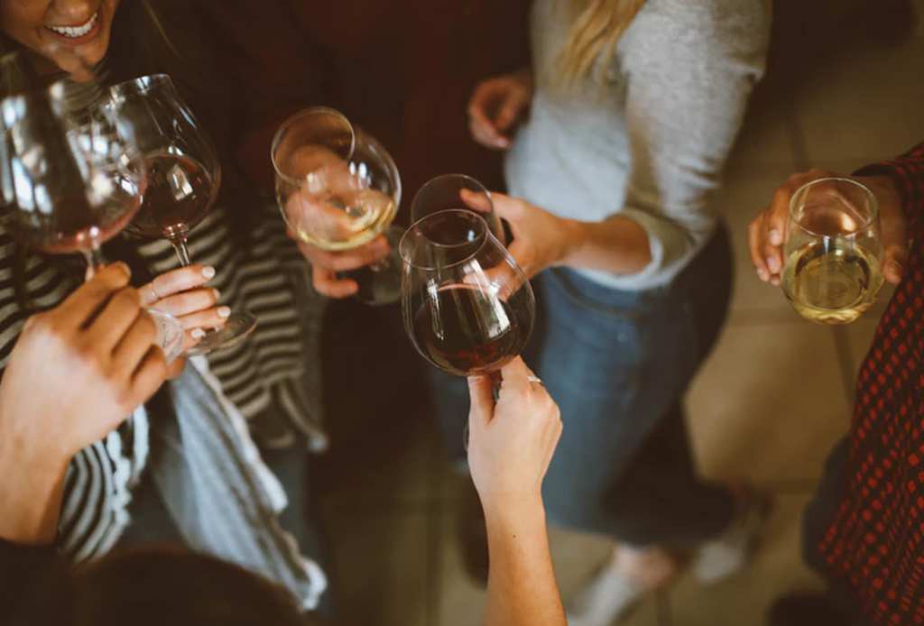 ¿Te propusiste dejar de beber alcohol este año? Checa estas 3 sanas alternativas - drinks-1