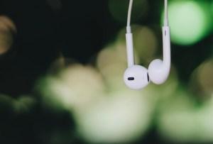 Escucha nuestra playlist con los mejores éxitos para disfrutar en MARZO 2019