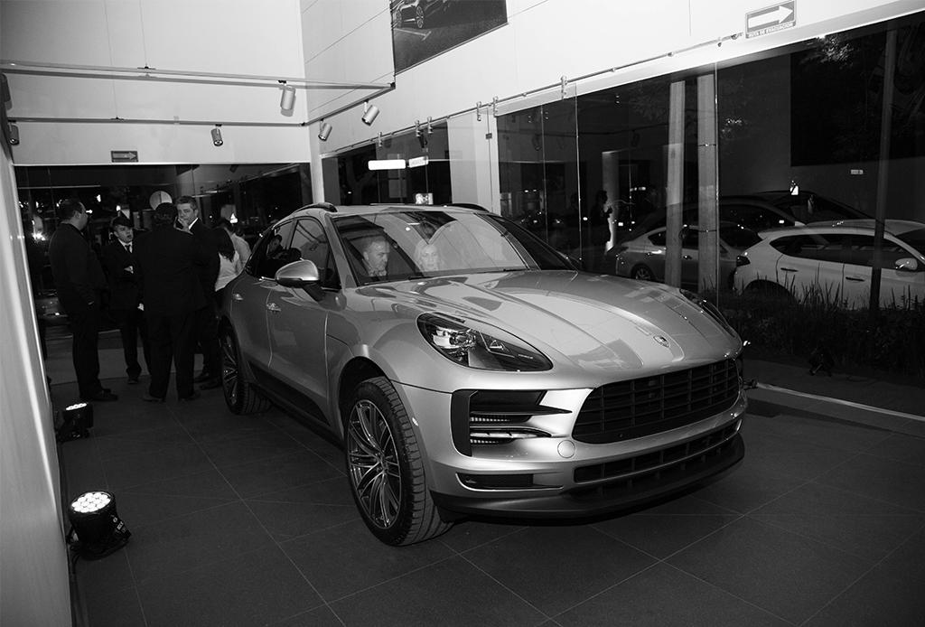 5 razones por las que debes conocer el nuevo Porsche Center en Polanco - porsche-center-2