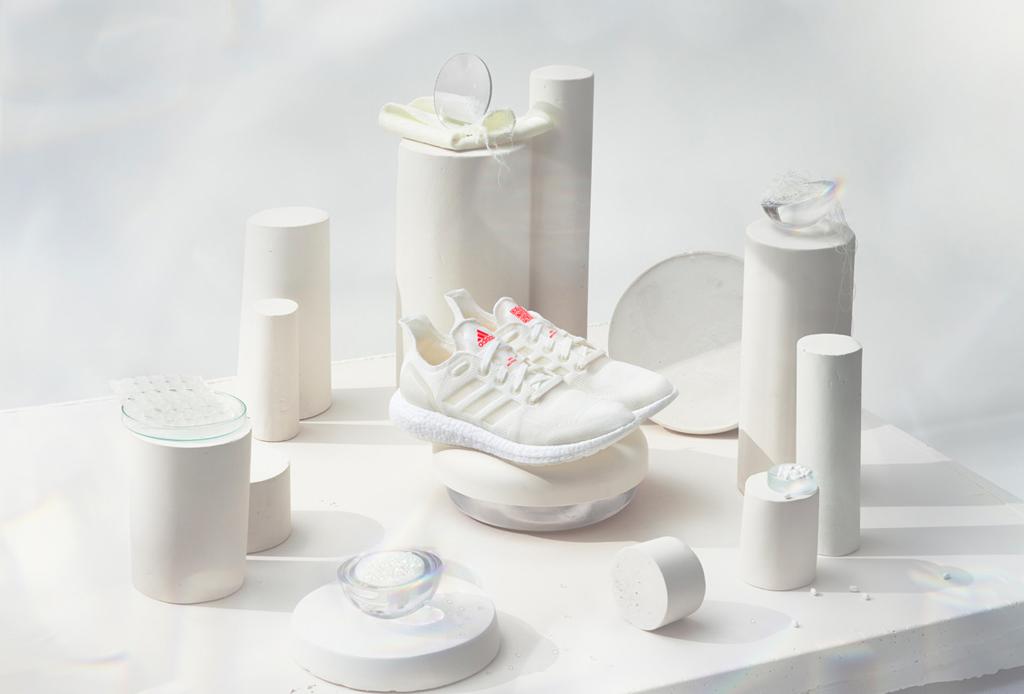 ADIDAS 100% reciclados, el futuro de los sneakers ecológicos - adidas-futurecraft-loop-2