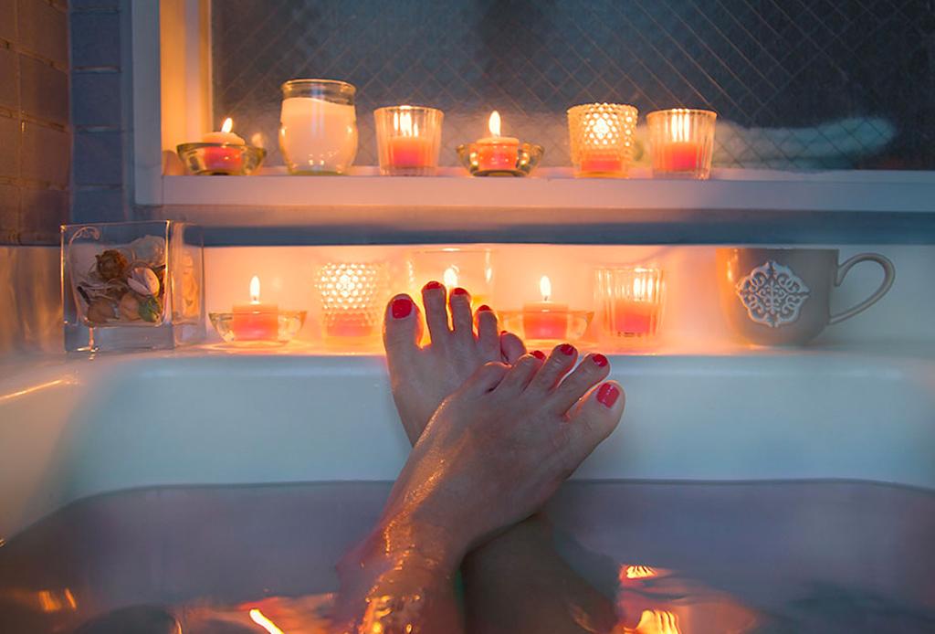 Tomar un baño caliente puede quemar las mismas calorías que ejercitarte - bancc83o-caliente-2