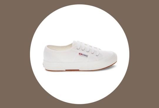 Estos son los mejores zapatos para viajar por su comodidad y practicidad - zapatos-comodos-viajar-superga-300x203