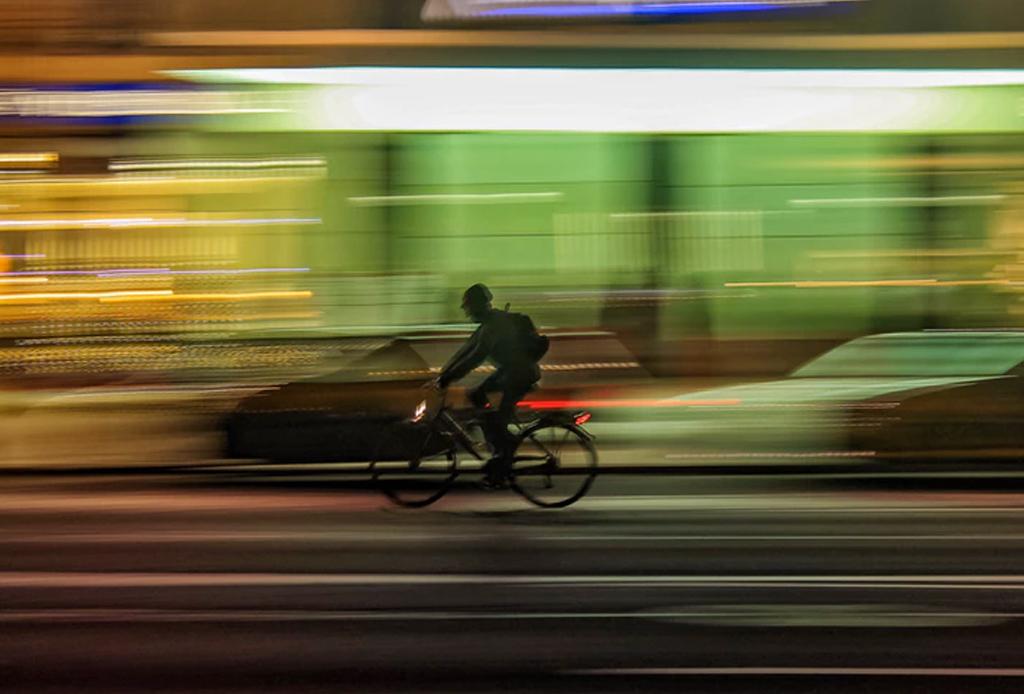Consejos para rodar en temporada de lluvia en la ciudad - bicicleta-lluvia-1-1024x694