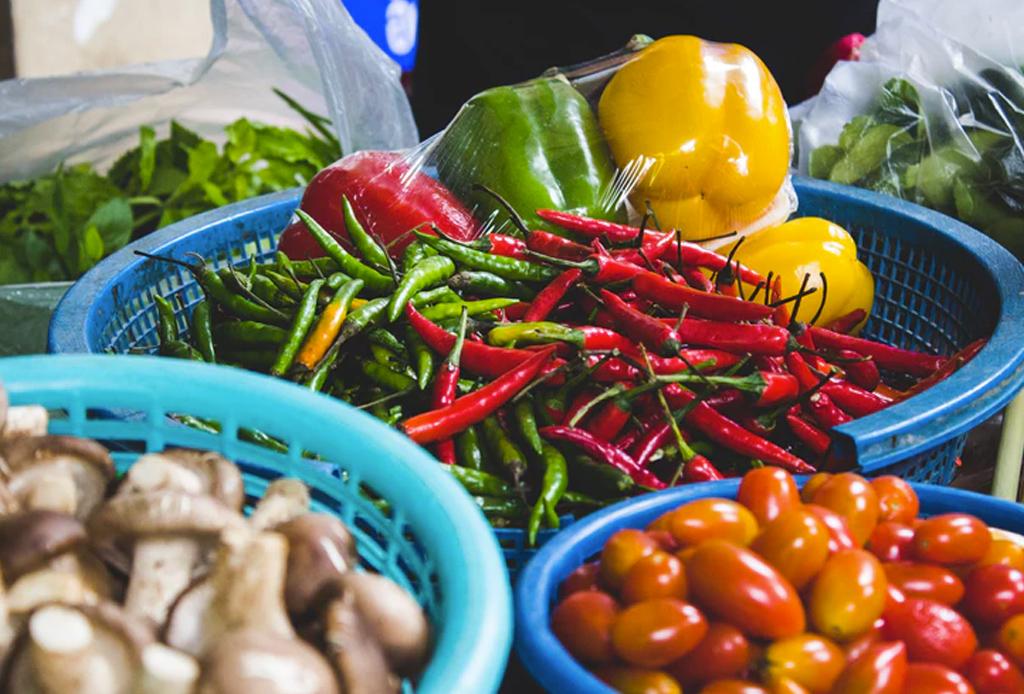 La importancia de consumir local en la CDMX - ingredientes-locales-1024x694