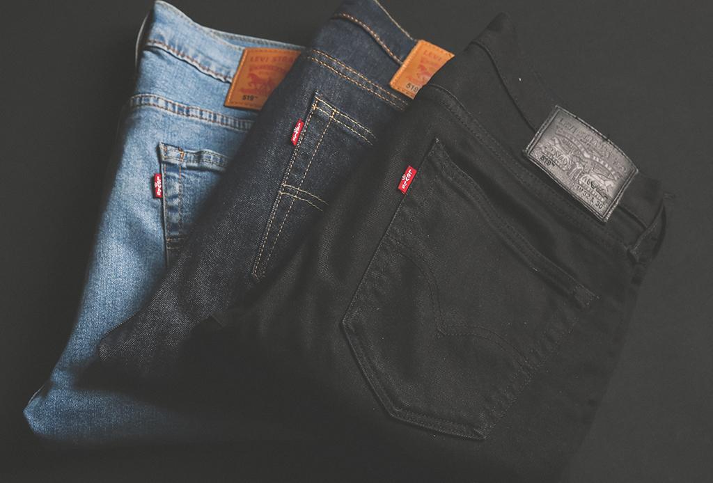 Tips para lavar tus jeans y mantenerlos como nuevos por más tiempo - lavar-jeans-1-1024x694