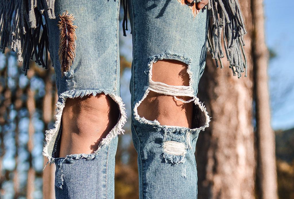 Tips para lavar tus jeans y mantenerlos como nuevos por más tiempo - lavar-jeans-2-1024x694