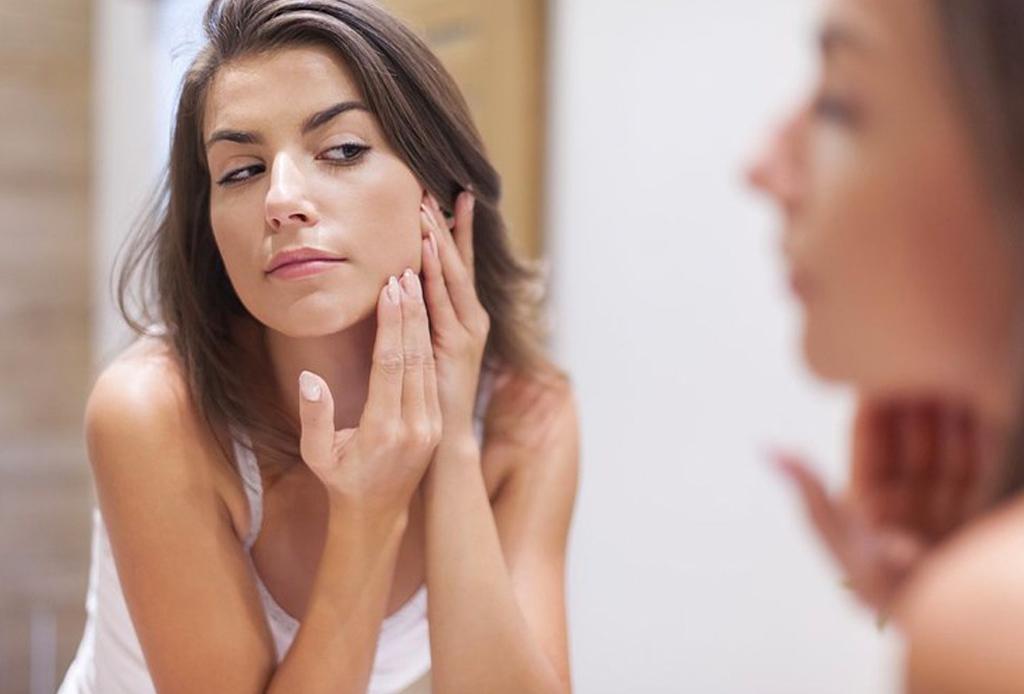 Reduce los signos de la edad con esta yoga facial - yoga-facial-2-1024x694