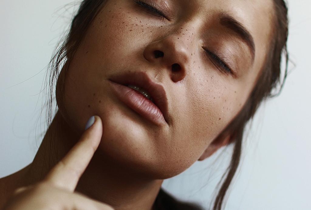 Reduce los signos de la edad con esta yoga facial - yoga-facial-4-1024x694