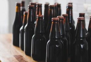 """Bajo la Espuma, Misterios de la Cerveza"""" - bajo-la-espuma"""