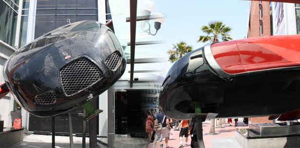 Autos futuristas que han aparecido en películas que te quitarán el aliento - bugatti