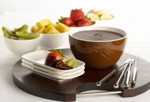 Prepara un delicioso fondue de chocolate con expresso para disfrutar una tarde lluviosa