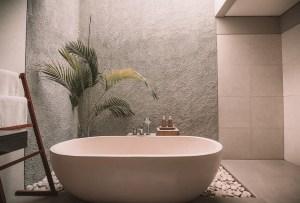 Cómo usar los azulejos para hacer tu baño más acogedor