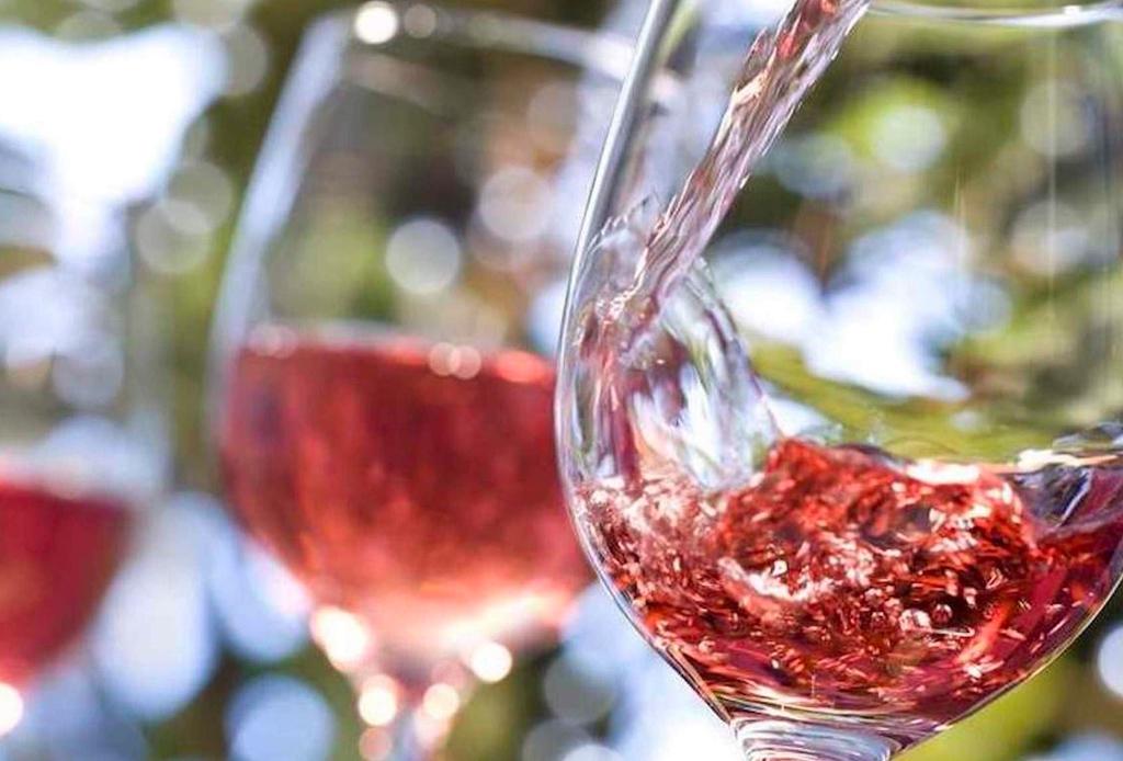 ¿Con qué vinos puedes maridar chiles en nogada? - vinos-chiles-en-nogada-2-1024x694