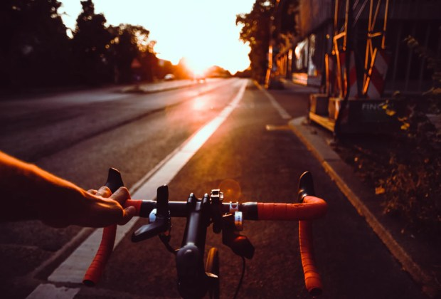 Tips de seguridad que debes tomar en cuenta si manejas una bici - consejos-seguridad-bicicleta-1