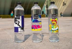 Esto es lo que debes saber sobre LIFEWTR® y la colaboración con el artista Rubén Ortíz Torres