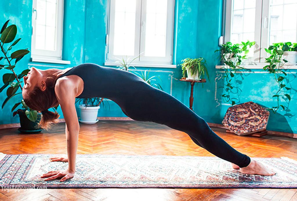 Haz esta secuencia de yoga para alinear tus chakras