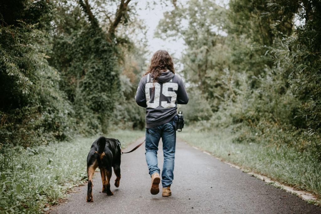 Formas de recuperarte del work burn out de este año - caminar