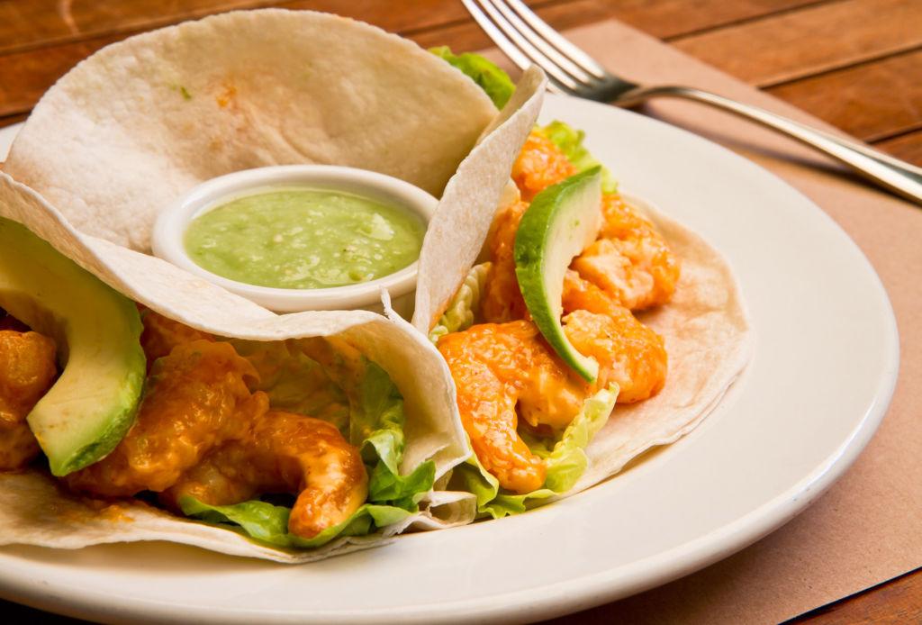 Las delicias de Lampuga Bistro, el hotspot que tienes que conocer en Miyana - tacos-rosarito