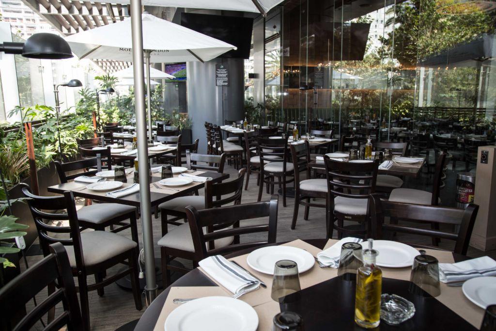 Las delicias de Lampuga Bistro, el hotspot que tienes que conocer en Miyana - terraza-2