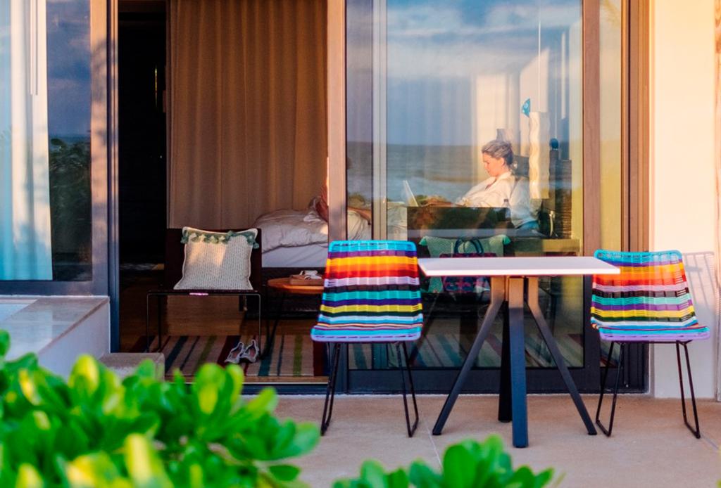 Esta cadena de hoteles se alió con Headspace para llevar mindfulness a sus empleados y huéspedes
