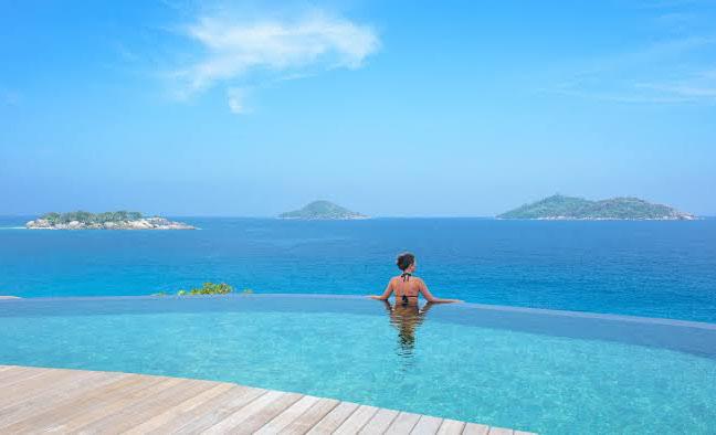 Estos son algunos de los hoteles más hermosos del mundo - six-senses-pool