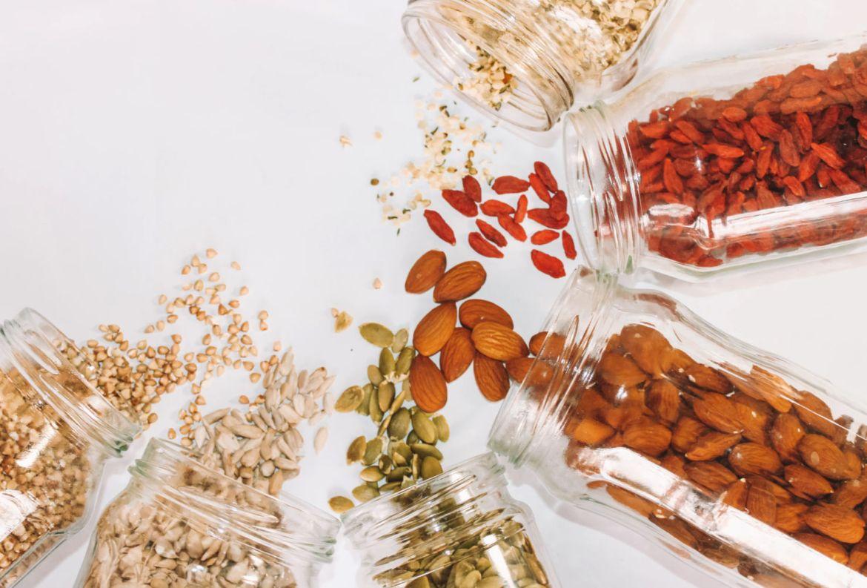 Productos que SÍ vale la pena agregar en tu carrito de super - granos-lista-compras-coronavirus