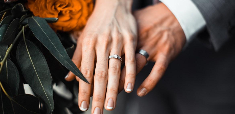 ¿Debería cambiar la fecha de mi boda? - posponer-boda-5