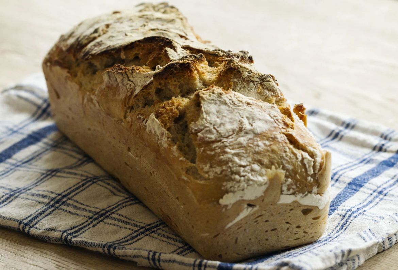 ¿Nunca has horneado un pan? Esta receta es perfecta para tu primera vez, ¡hazlo en casa! - receta-hornear-pan-blanco