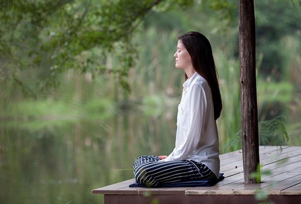 ¡Tómate un tiempo! Sigue estos pasos para sentarse y comenzar a meditar - sentarse-a-meditar-3