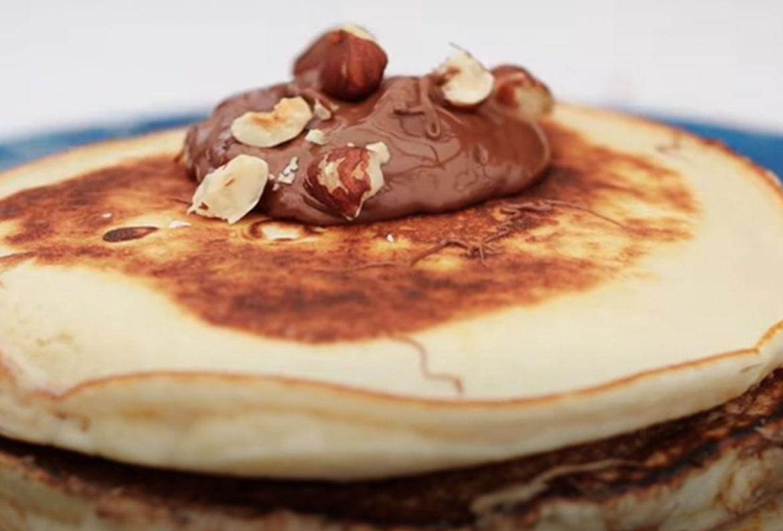 José Ramón Castillo compartió la receta de unos hot cakes rellenos de crema de avellana y tienes que intentarla ¡YA! - hot-cakes-rellenos-nutella