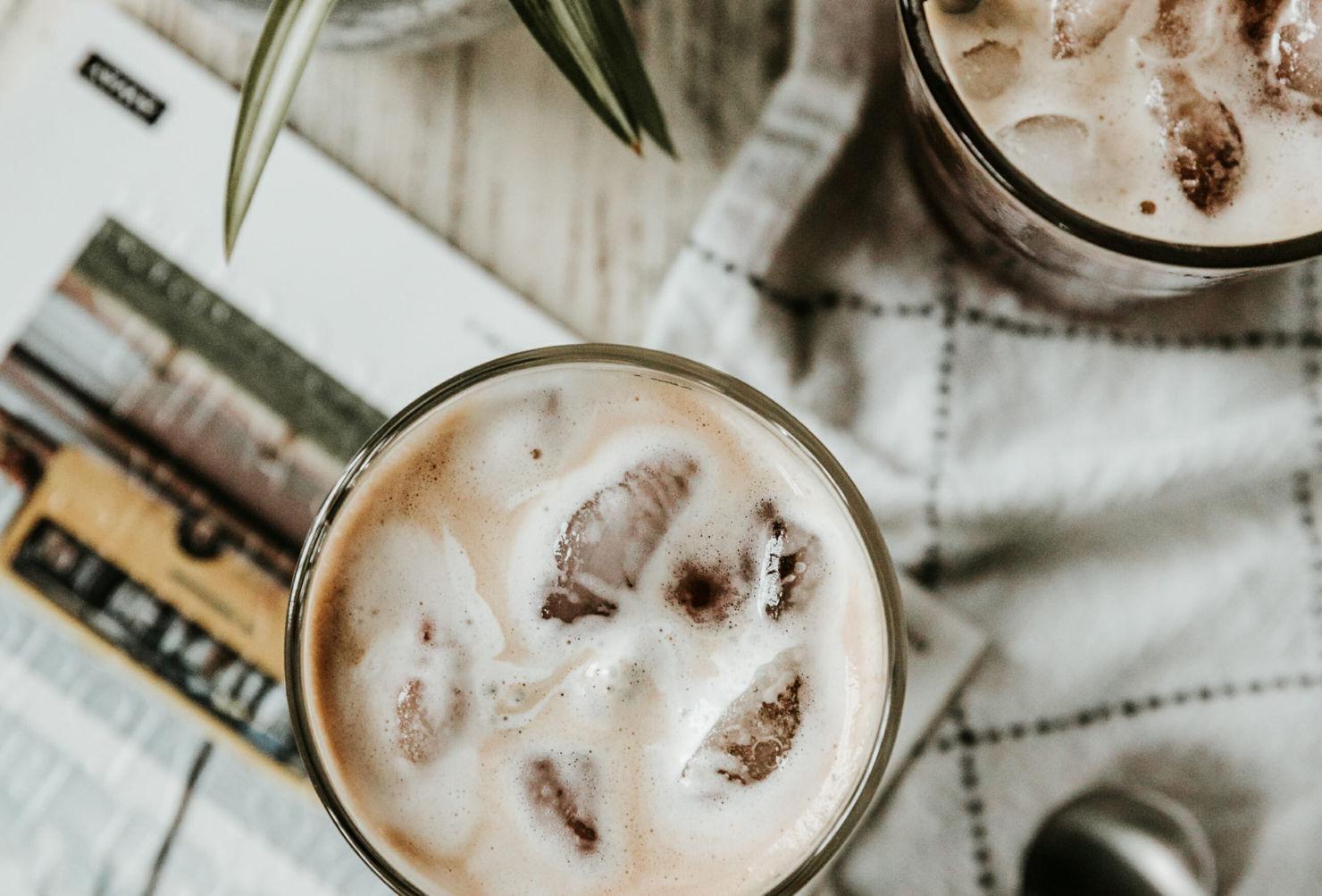 Prepara estos drinks con café para el Home Office, estamos en cuarentena y ¡se vale!