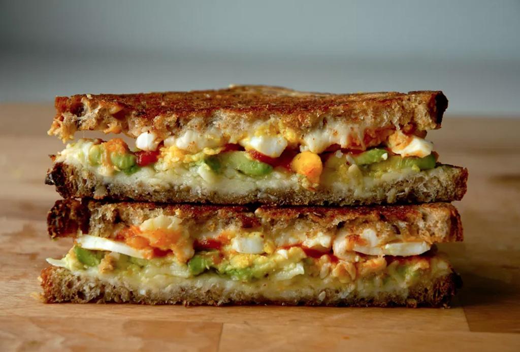 3 sándwiches de huevo que te matarán del antojo - sandwich-huevo-2