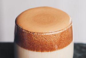 ¿Oreo? ¿Nutella? Estas son todas las variantes del Dalgona Coffee que necesitas conocer