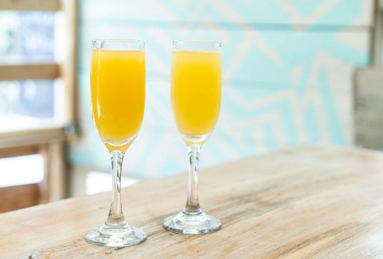 5 pasos para prepararle un brunch perfecto a mamá - mimosas