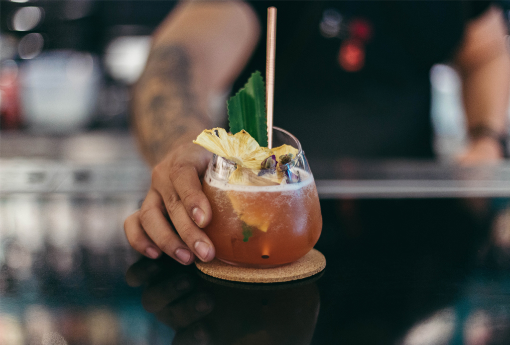Prepara estos drinks con gin para celebrar el PRIDE