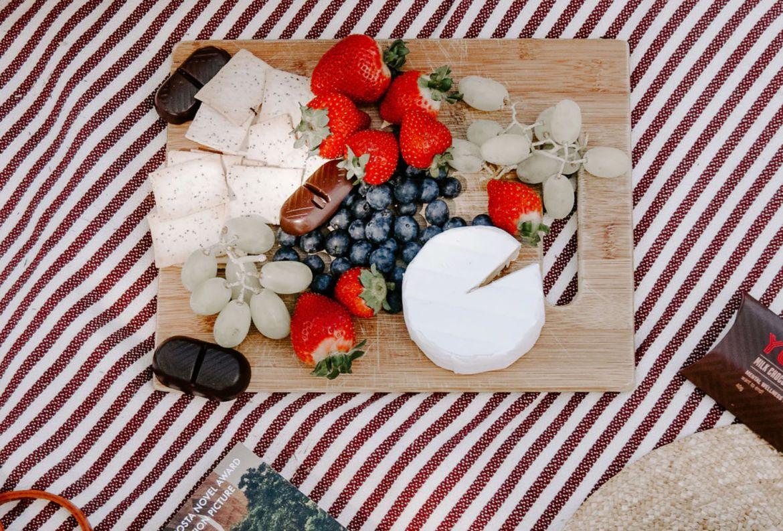 5 básicos para un picnic perfecto en tu jardín - comida-picnic-perfecto