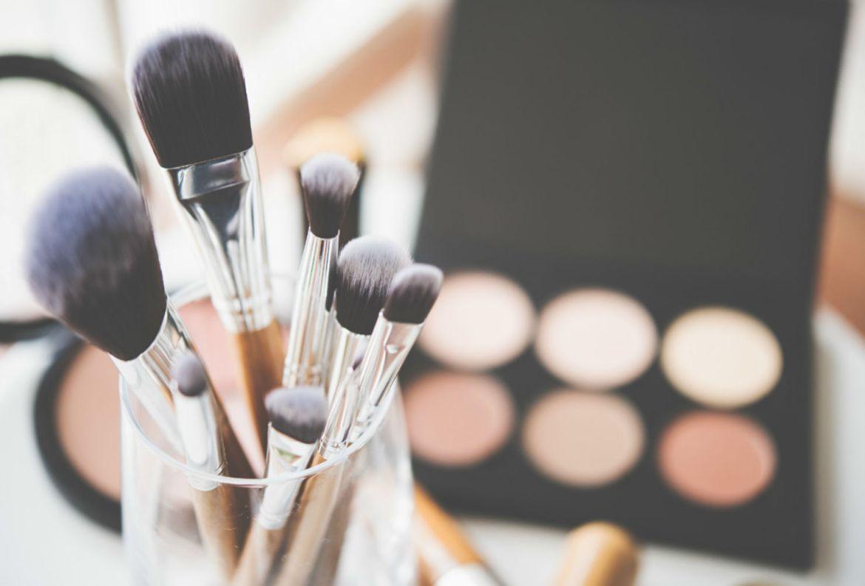 Tips para organizar tus productos de belleza y no morir en el intento - consejos-organizacion-maquillaje