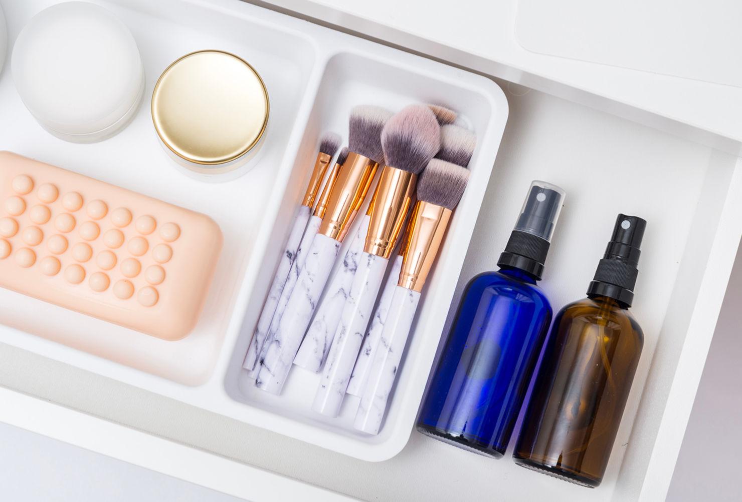 Tips para organizar tus productos de belleza y no morir en el intento