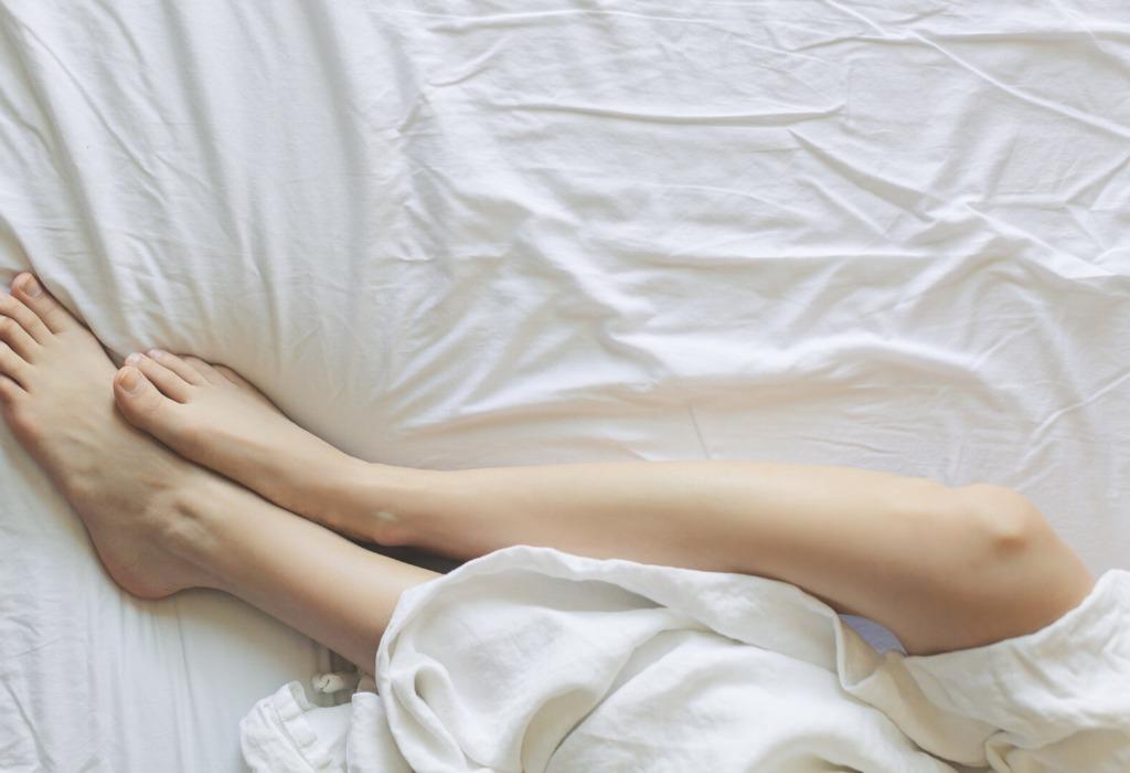 ¡Cuida tus piernas! Estos exfoliantes naturales son perfectos para consentirte - disencc83o-sin-titulo-5