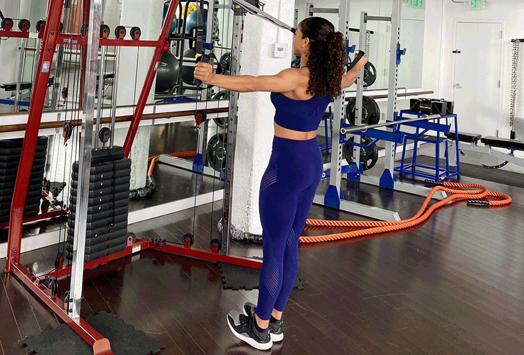 5 ejercicios diferentes para agregar a tu rutina de TRX - ejercicios-trx-1