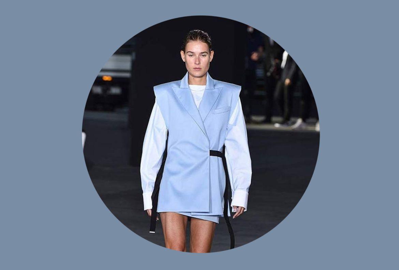 Agrega estos colores a tu ropa de verano para entrar en el mood - faded-denim-pantone-2020