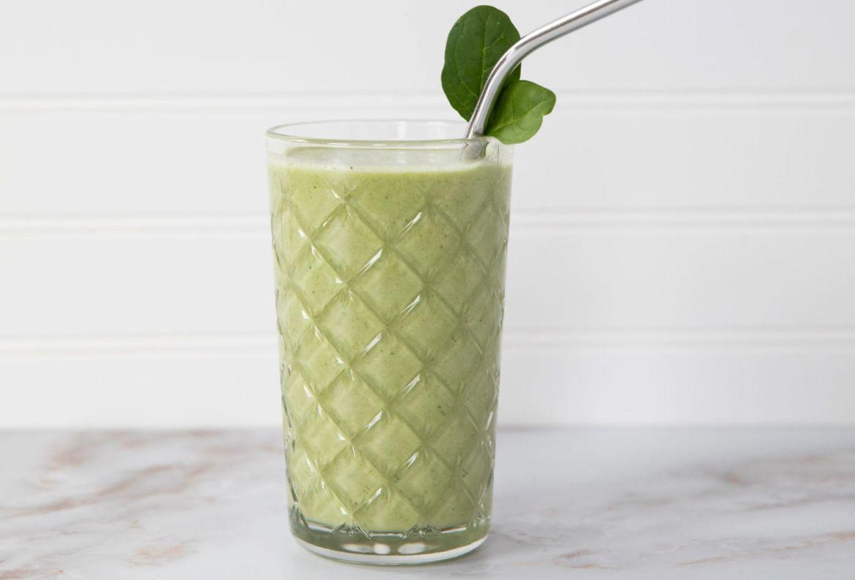 Tres jugos ricos en vitaminas que necesitas agregar a tus mañanas YA - green-smoothie