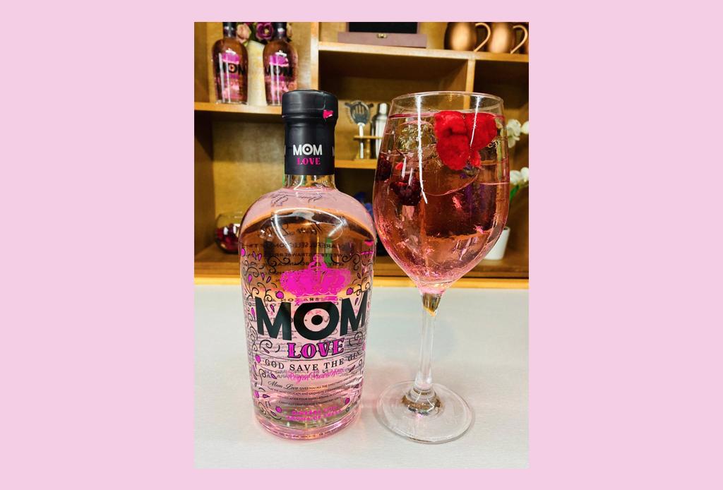 Prepara estos drinks con gin para celebrar el PRIDE - love-gin-coctel-mom-pride