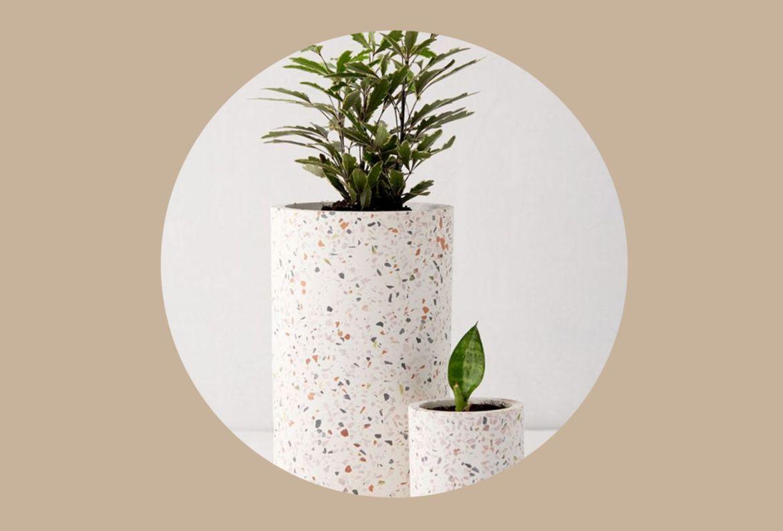 10 formas de unirte a la tendencia e incluir el Terrazzo en tu decoración - maceta-terrazzo