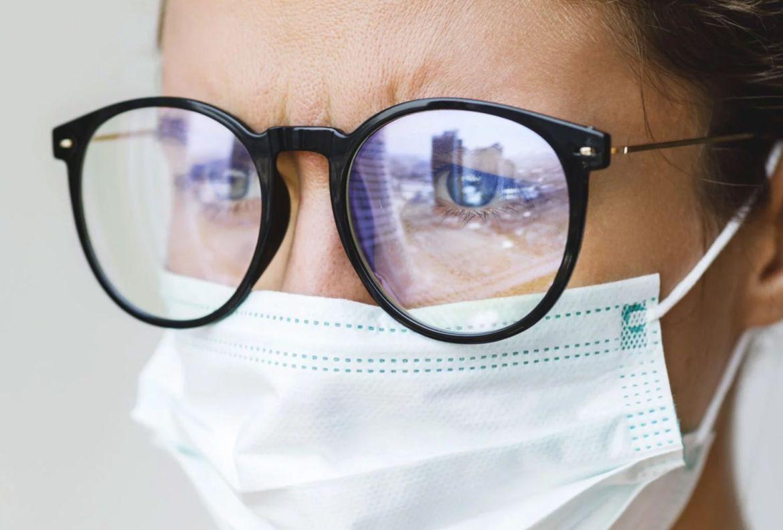 Cómo evitar que tus lentes se empañen al usar cubrebocas - uso-cubrebocas-sin-empancc83ar-lentes