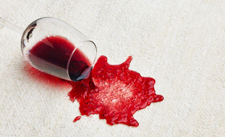 Así es como puedes quitar cualquier mancha de una alfombra - vino