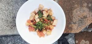 Tenemos la receta para hacer la famosa ensalada Yum Pla Salmon de Banyan Tree Mayakoba